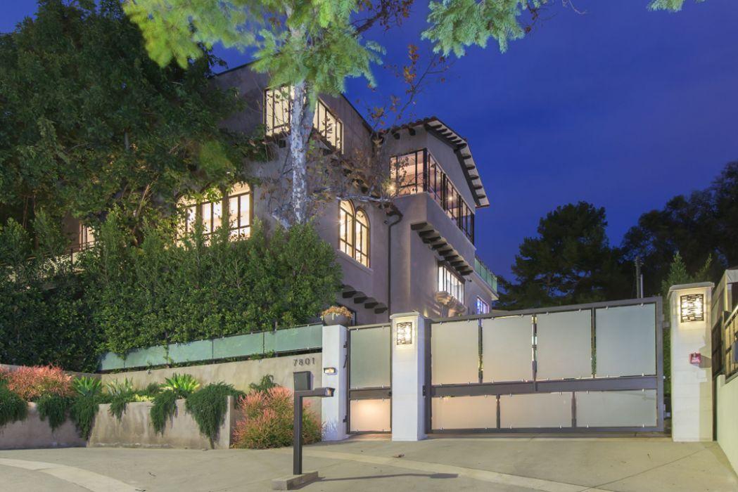 rihanna_hollywood_hills_house_1